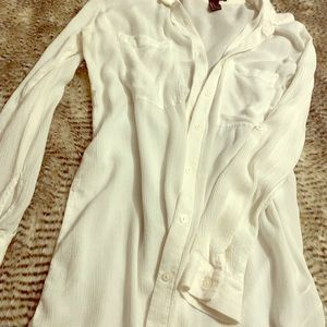 FOREVER 21 WHITE BUTTON BLOUSE